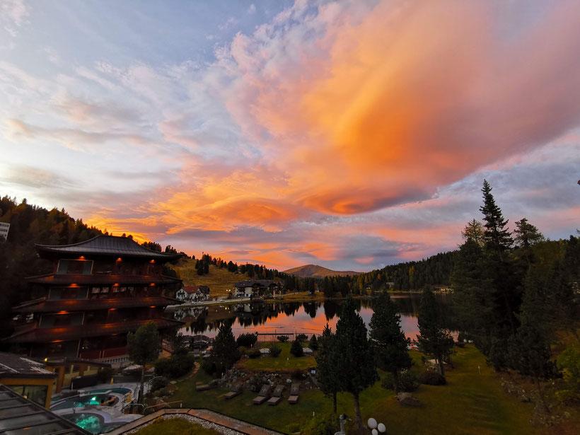 Sonnenuntergang auf der Turrach Höhe - Aussicht vom Hotel Hochschober