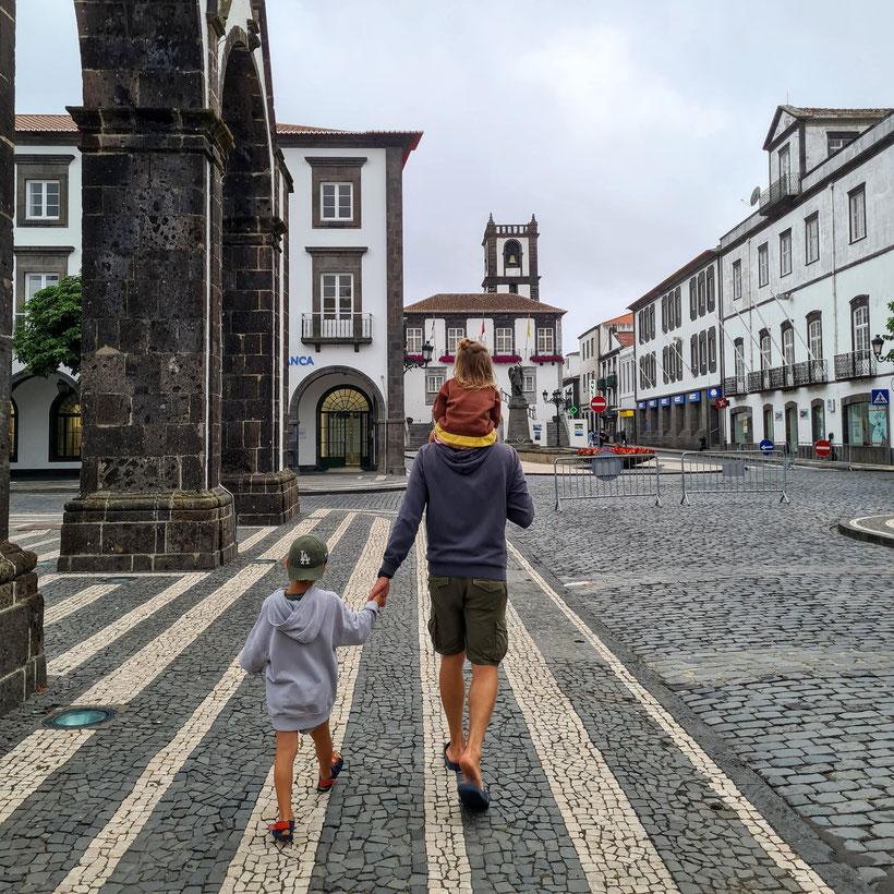 Sao Miguel Innenstadt Kind Kleinkind