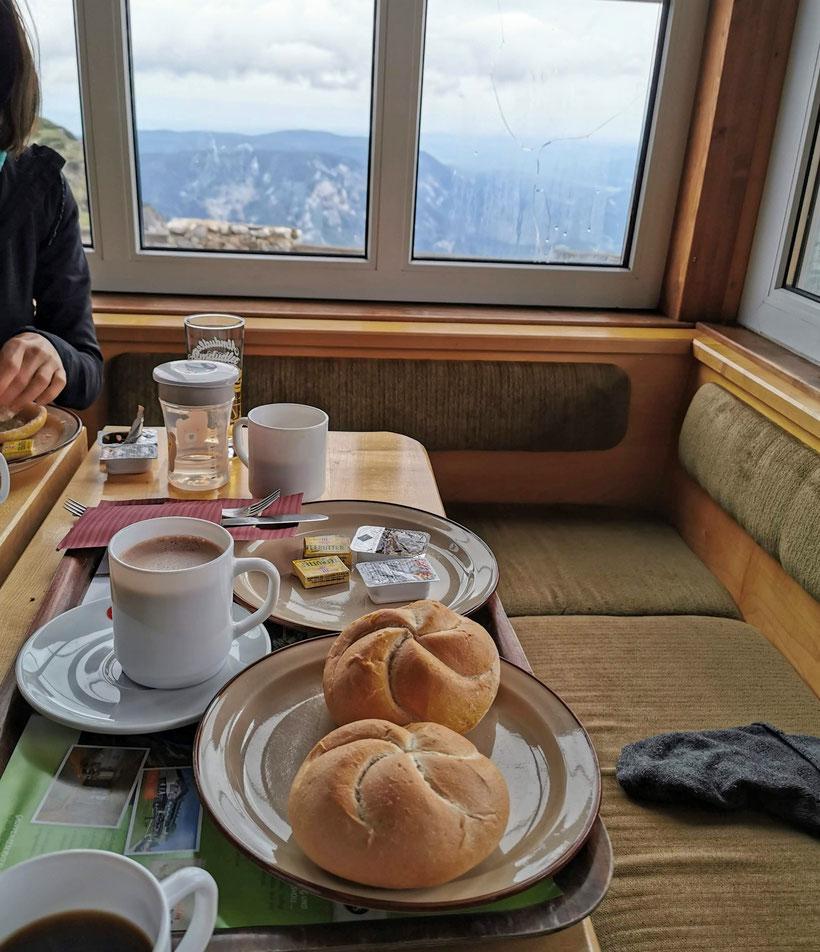 Simples Frühstück im Ottohaus