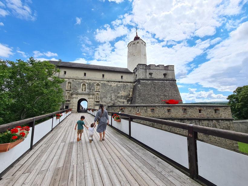 Burg Forchtenstein Eingang