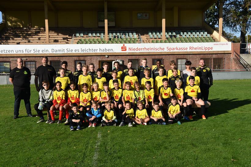 Das Foto entand am Samstag, den 06. Oktober 2018 in der Dorotheeen-Kampfbahn mit allen Jugendmannschaften.