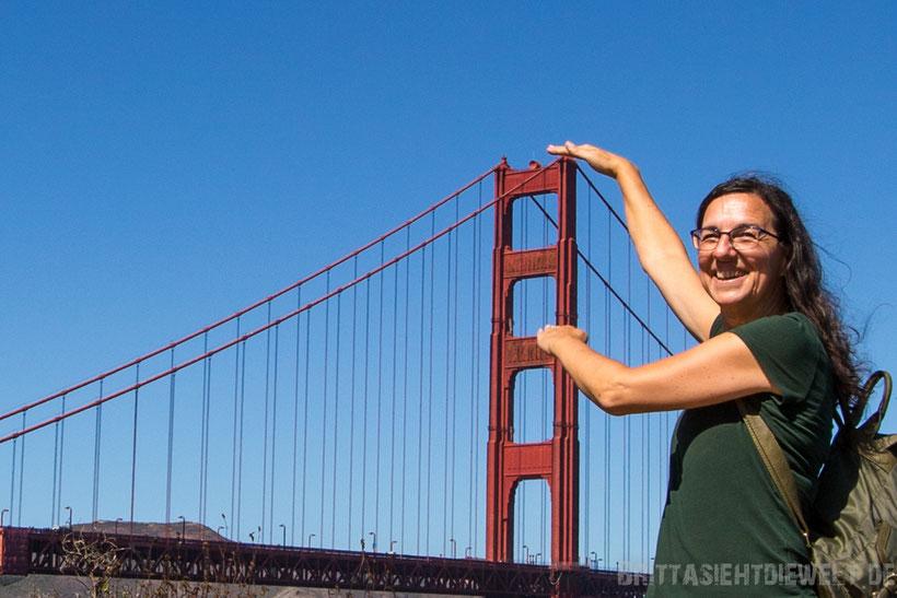 san,francisco,golden,gate,bridge,holding,tower,girl,woman