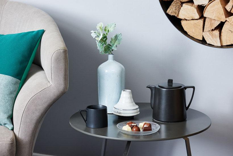 schwarze Teekanne, Teebecher, Set, Keramik Teekanne,