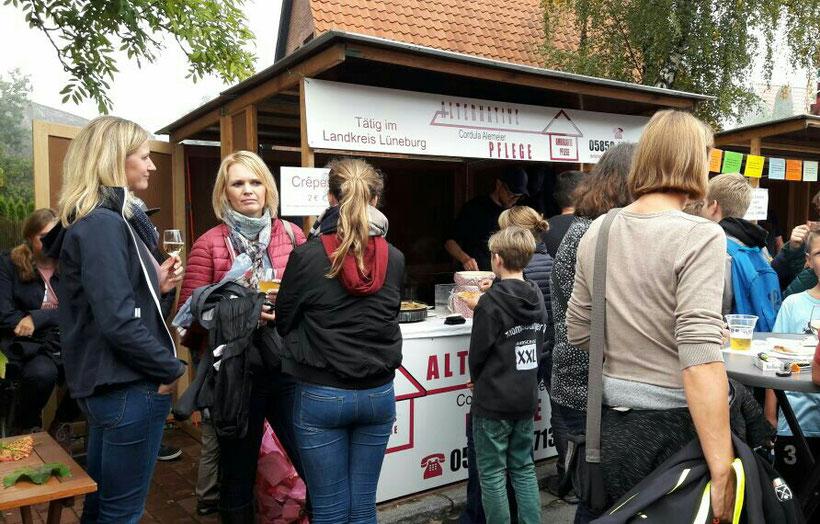 Herbstmarkt Neetze 2017 mit Crêpes-Stand der Alternativen Pflege