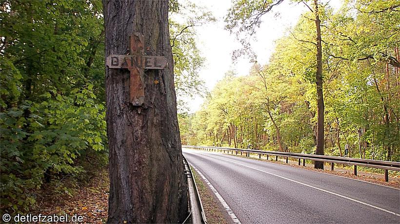 Straßenkreuze Unfallkreuze