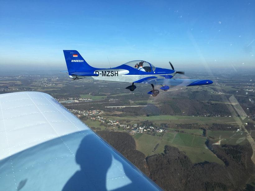Bestellen Sie direkt hier Ihren Rundflug über das Rheinland.