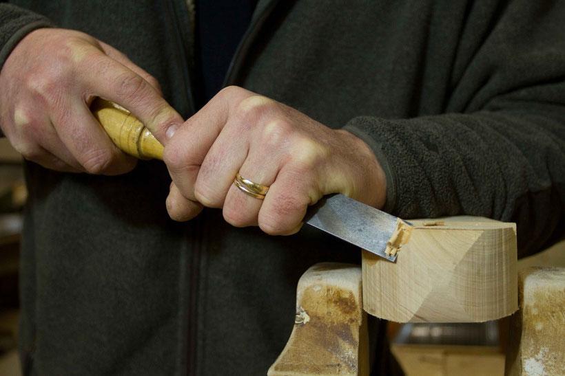 Jean-Michel Lecat, sculpteur animalier, spécialisé dans la fabrication d'oiseaux en bois
