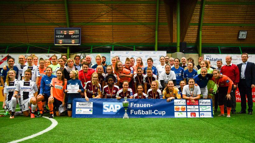 SGS Essen, SC Freiburg, SC Sand und TSG Hoffenheim lauteten die Sieger des 10. SAP Cups. Foto Mirko Kappes