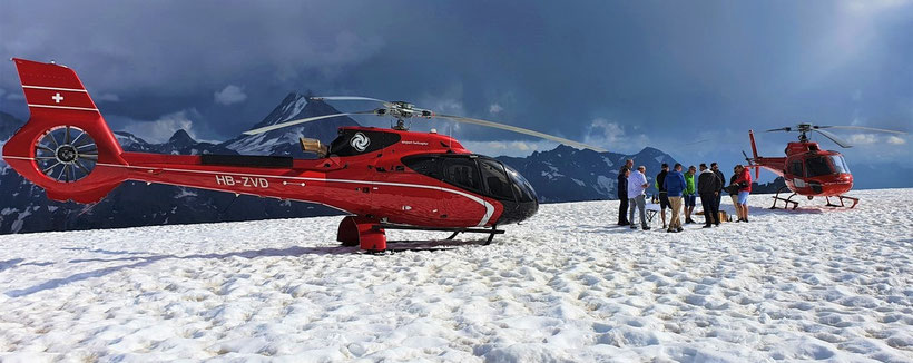Elite Flights, EC 130 T2, HB-ZVD, AS 350 B2 Ecureuil, HB-ZPF,  Helikopterflug, Alpenflug mit Gletscherlandung, Firmenausflug, Team Events, Petersgrat