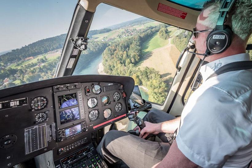 Elite Flights, AS 350 B2 Ecureuil, HB-ZPF, Schnupperflug, Übungsflug, Pilotenausbildung, Helikopterpilotausbildung, Schnupperflüge, Helikopterflug, Helikopter selber fliegen, Helikopter selbst fliegen