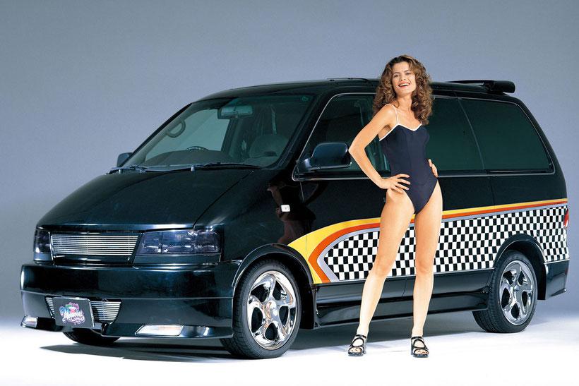 カスタムペイント,グラフィック塗装した、ワゴン車、ニッサンラルゴ