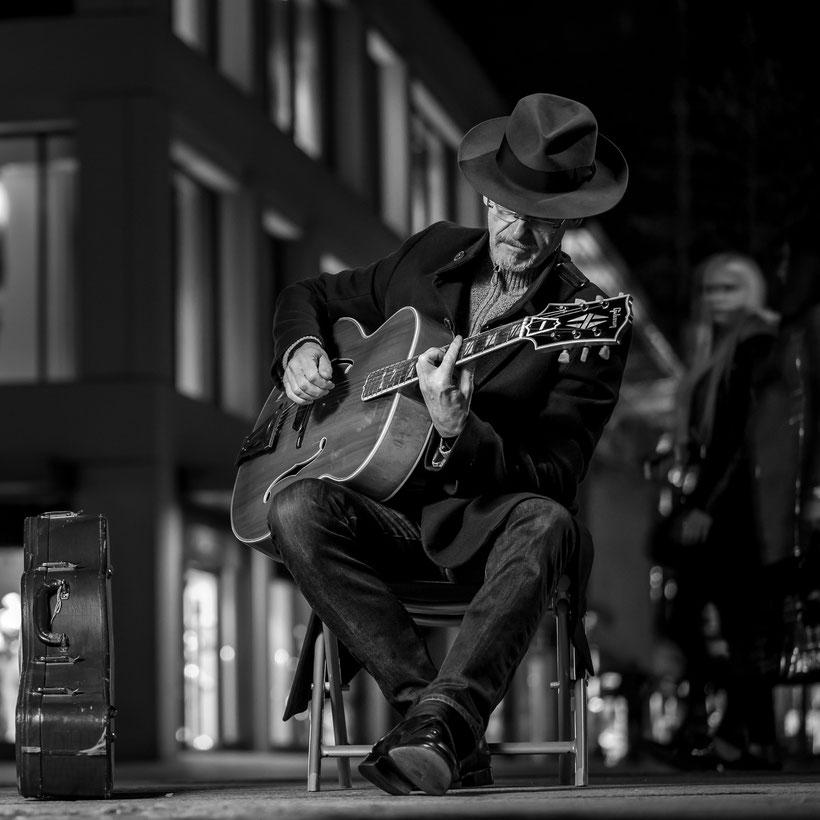 Portrait Gitarrist mit Super 400 in Hagen - 2