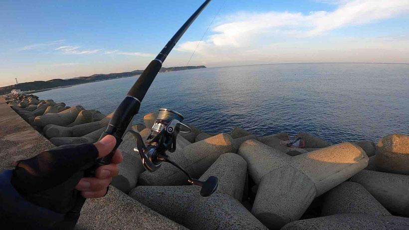 淡路島 郡家港でヒラメをイワシロケットで釣った
