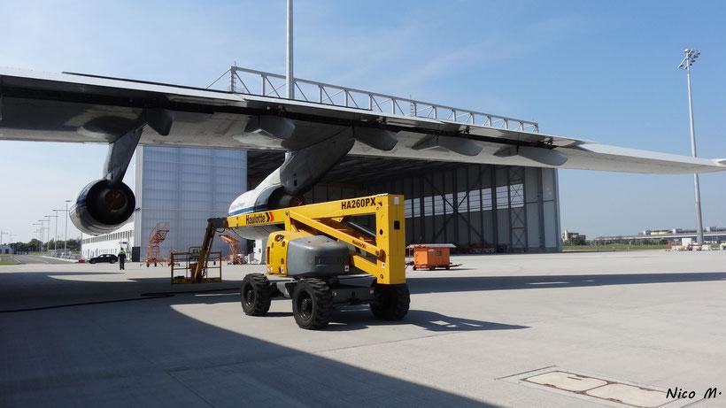 Vorfeld mit VDA-Hangar