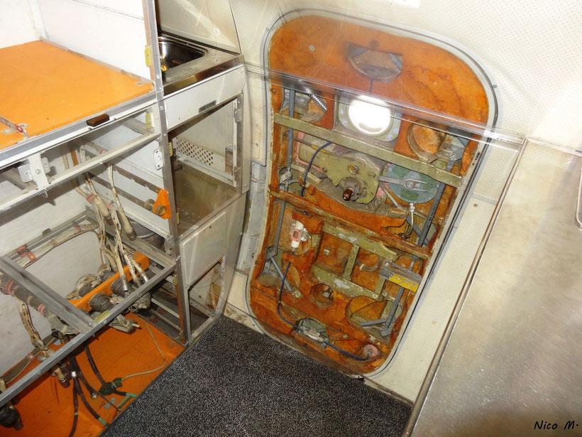 Ausgeschlachtete Kabine in der Tu144
