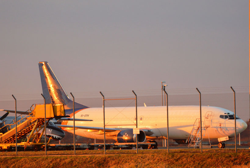 EI-STH der Air Contractors auf Apron 2