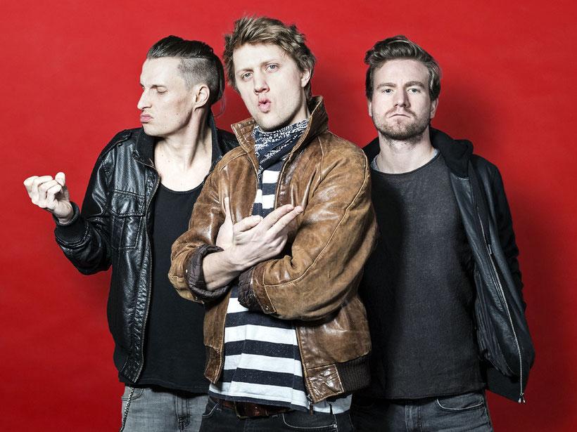 """Auch nahezu 50 Jahre nach der Bandgründung mischen Cheap Trick immer noch ordentlich im Rockbiz mit. Mit ihrem neuen Album """"In Another World"""" im Gepäck touren sie im kommenden Jahr durch Europa. Foto: Promo"""