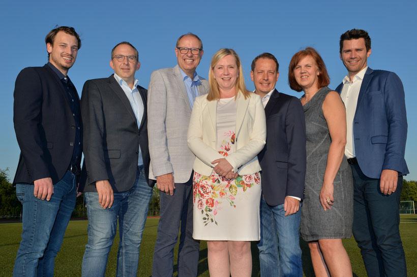 Die Kandidatinnen und Kandidaten der CDU-Königsdorf gemeinsam mit der Bürgermeisterin Susanne Stupp - stark für Königsdorf!