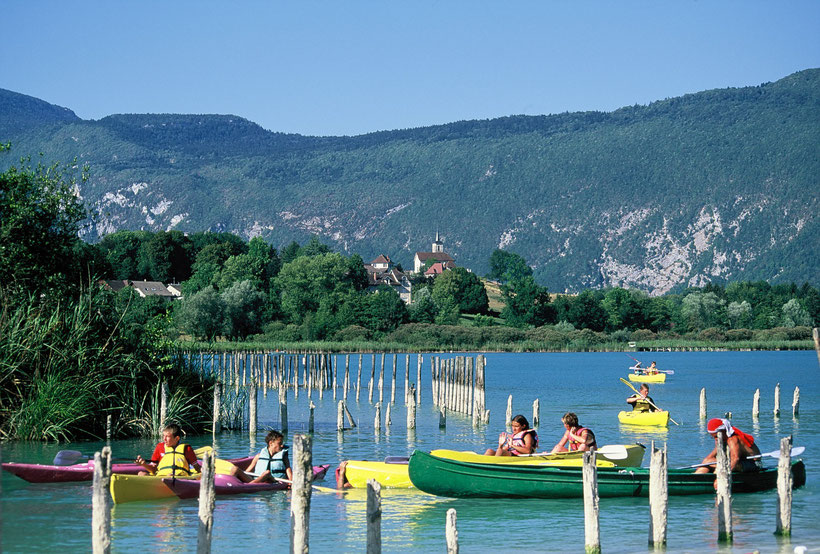 Canoë sur le lac d'aiguebelette
