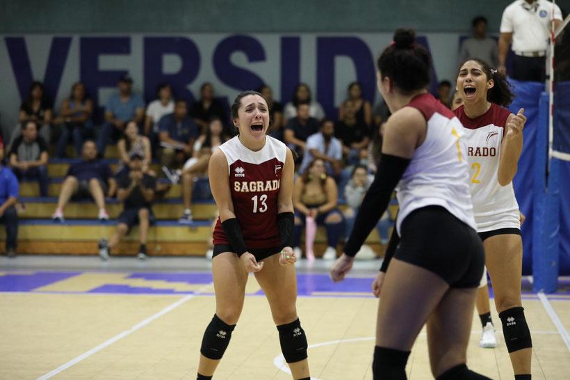 Las Delfinas de Sagrado clasificaron a las semifinales del voleibol LAI. (José Raúl Santana Sagrado) (4) (FOTO POR LAI)
