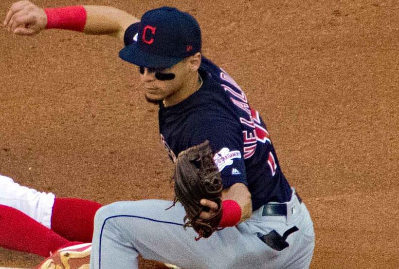 Velázquez se encuentra en el roster de los 40 de la organización de los Indios de Cleveland.