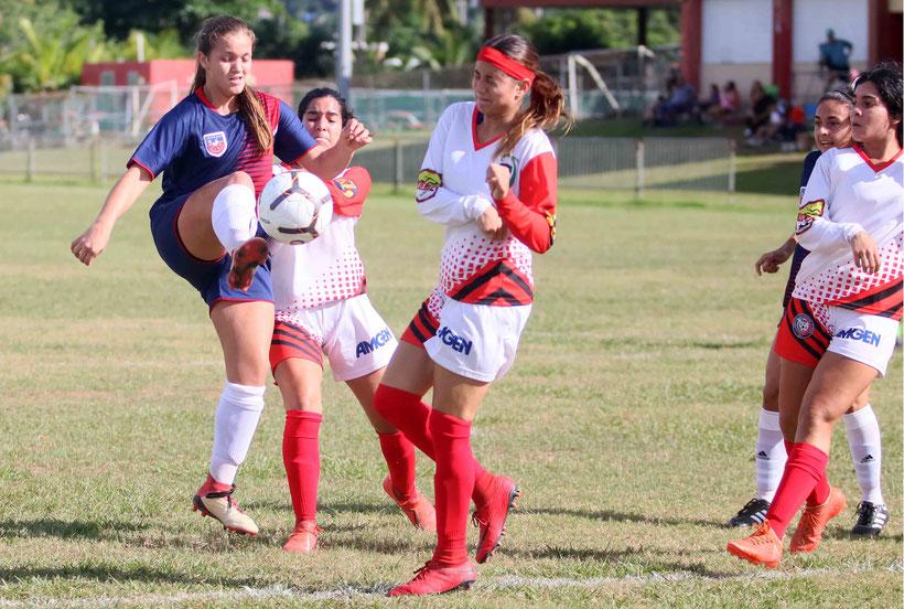 El partido se llevó a cabo en el antiguo Colegio Corazón de María en Juncos. / Foto por Heriberto Rosario Rosa