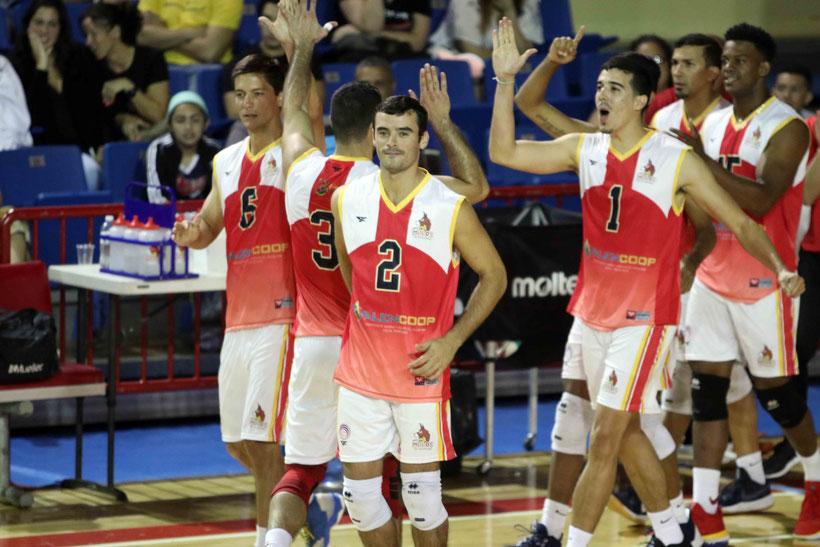 Juncos suma su cuarta victoria en el voleibol masculino/ Foto por Heriberto Rosario Rosa