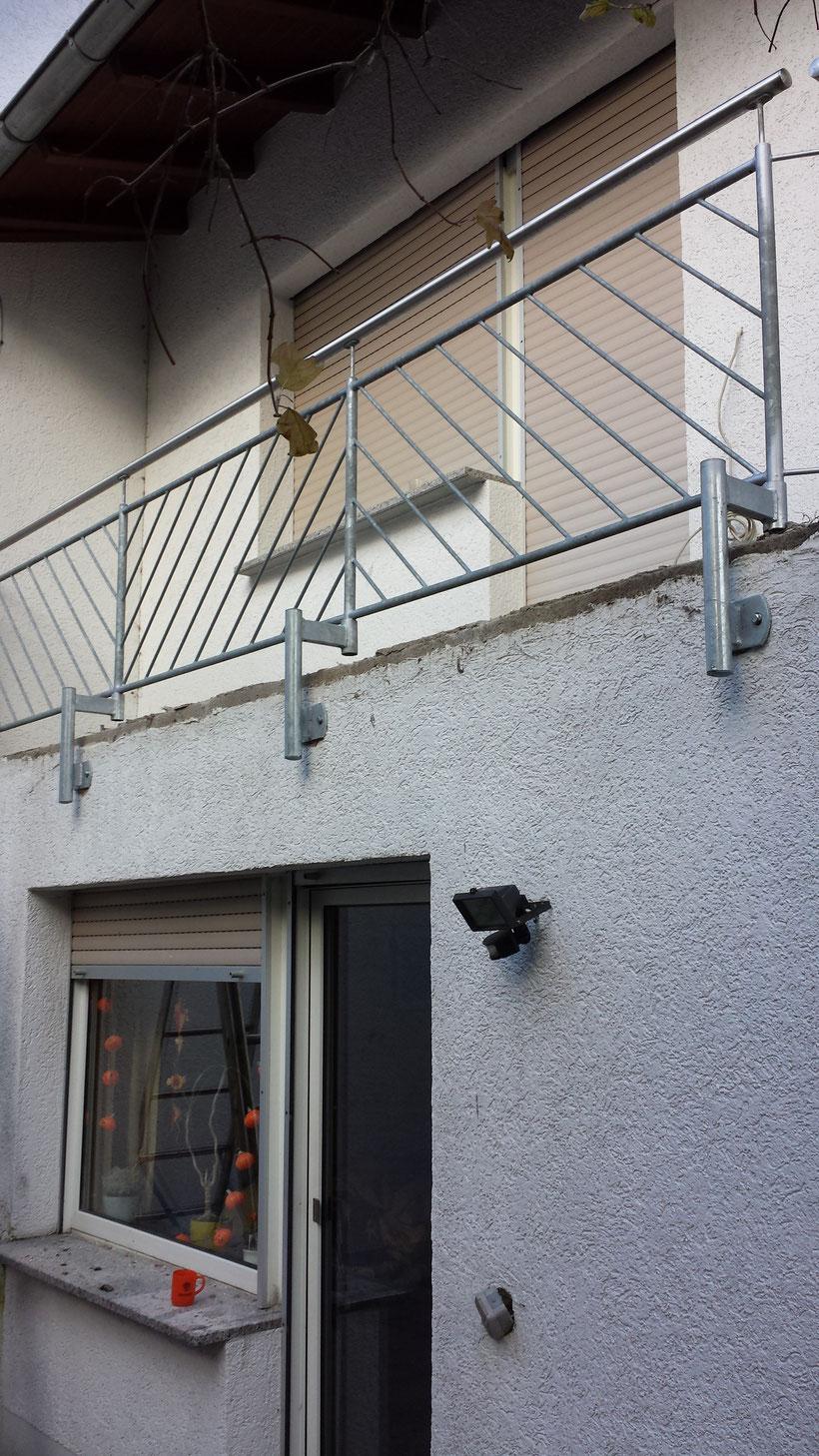 wollen sie ihren balkon sanieren bilder sind vor. Black Bedroom Furniture Sets. Home Design Ideas