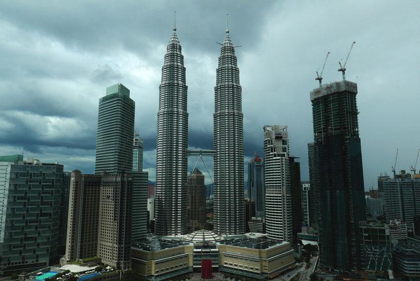 Blick SkyBar Traders Hotel Kuala Lumpur Wahrzeichen