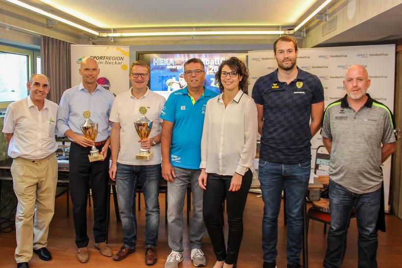 Das Podium: Gerhard Schäfer, Dirk Elkemann, Kai Seewöster, Harald Sauter, Ramona Müller, Steffen Fäth, Wolfgang Hell