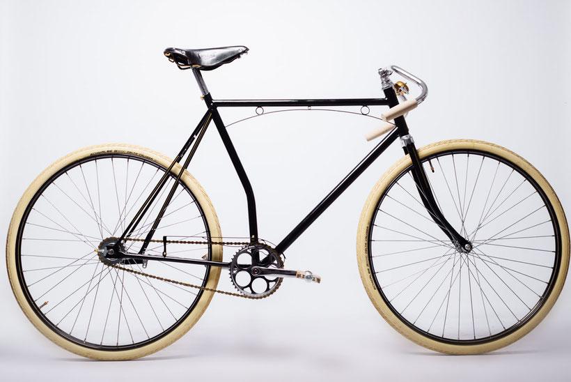 custom vintage racer ook mogelijk met verlichting en spatborden
