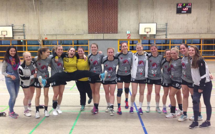 Die Wombats vom TuS Altwarmbüchen freuen sich über den Sieg gegen DjK BW Hildesheim.