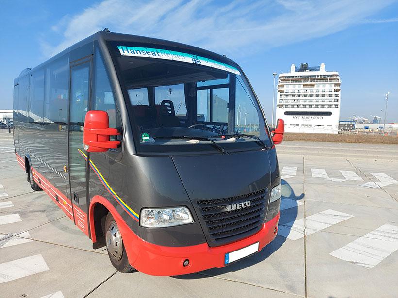 Unser nächst größerer Reisebus für 16 Sitze.