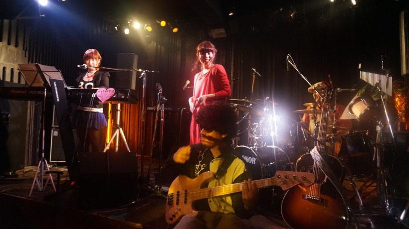私のラストの曲「優しいエンディング」ではハイカラオリーブのみなさんにバック演奏していただきました。ご、豪華!ありがたいことです。楽しかった!!!
