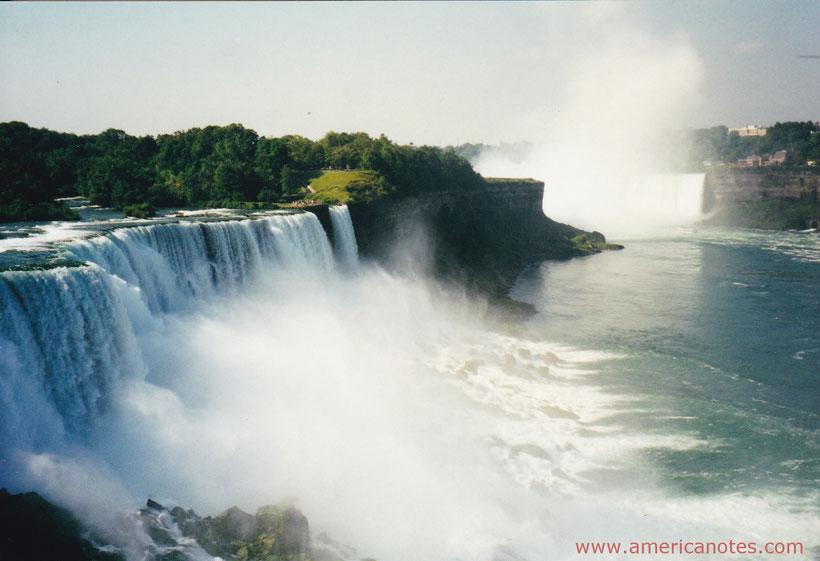 Die besten Sehenswürdigkeiten und Reisetipps für New York State. Die Niagarafälle in New York State.