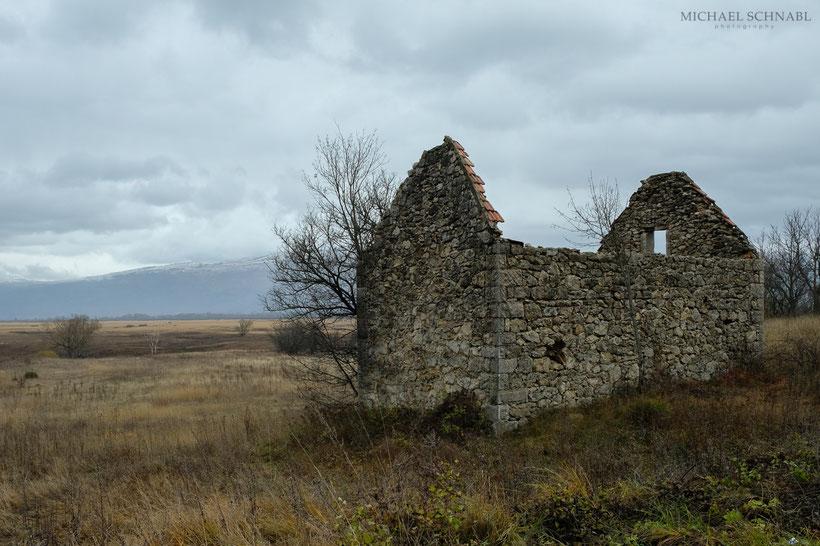 in Bosnien findet man sehr viele Ruinen dieser Art