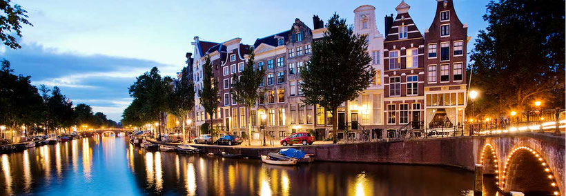 The Amsterdam canals are part of the world heritage. Beautiful in the evening when the lights go on.
