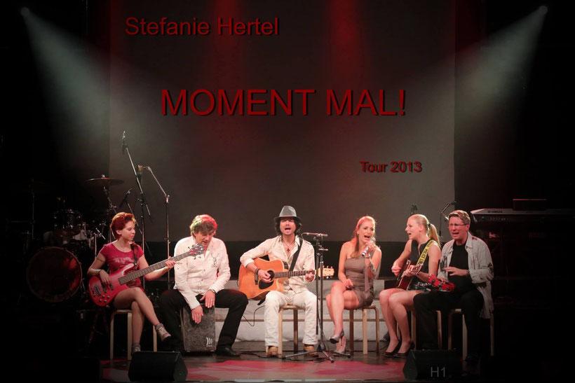 Stefanie Hertel und ihre Band während der Tournee