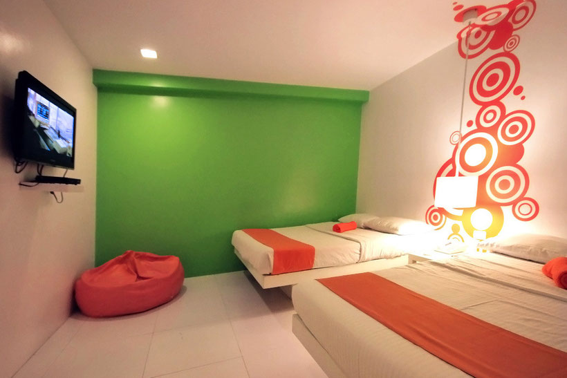 The large room - The Islands Stay Hotel in Cebu, Philippines © Sabrina Iovino | JustOneWayTicket.com
