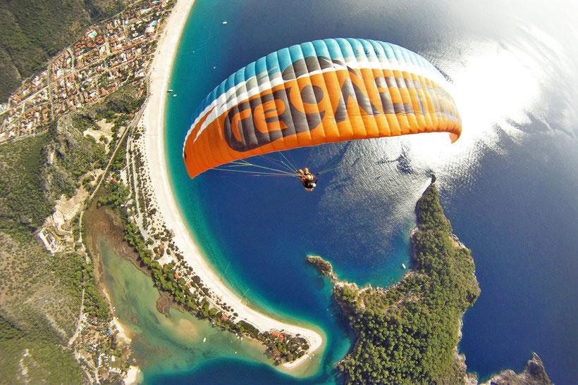 Paragliding in Ölüdeniz with Reaction - A lifetime experience. Turkey 2013 | JustOneWayTicket.com