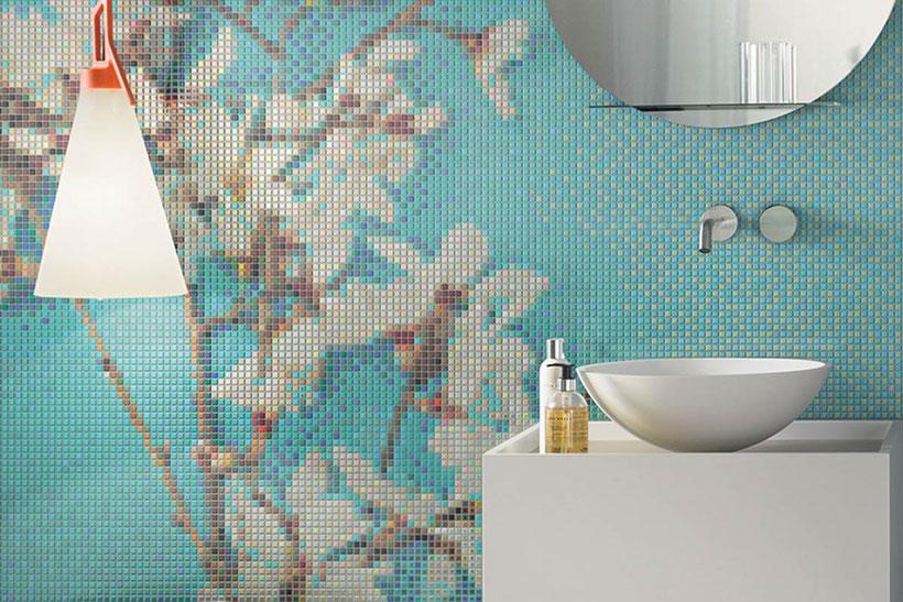 Badezimmerwand mit Mosaikfliesen von Appiani