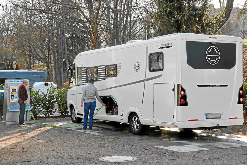 Wasserversorgung und Chemie-WC Entsorgung für Reisemobile