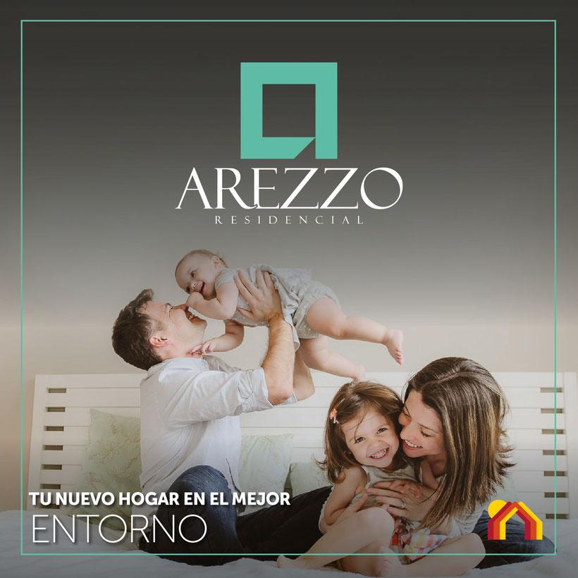Familia feliz en Arezzo Residencial, dominio cumbres