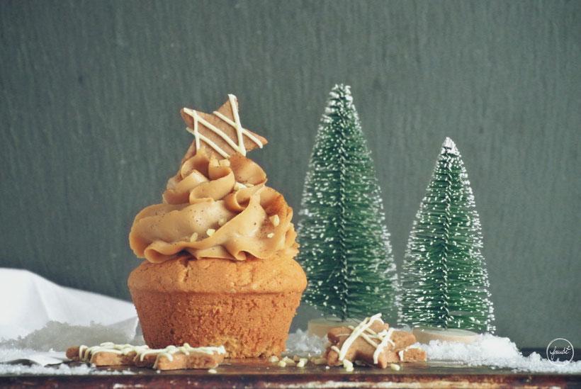 Marzipan, Mandel Muffins mit einem Hauch Zimt und Spekulatius Topping