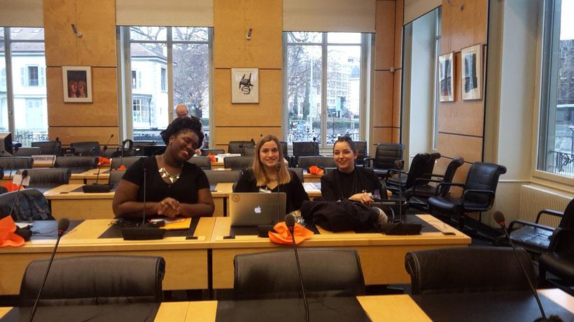Les étudiantes du Diplôme en délégation au comité des droits de l'Homme à Genève en novembre 2016