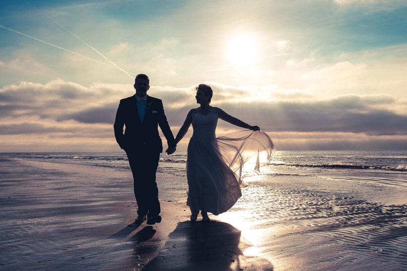 fotograf st. peter-ording, hochzeitsfotos am strand, brautpaar, strand, sonnenuntergang, hochzeit am strand