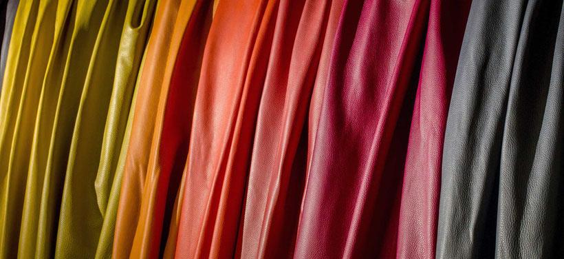 Leder Massagesessel rot schwarz beige gelb orange
