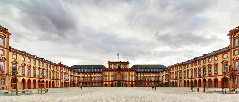 Schloss Mannheim Bild: Theo Stadtmüller