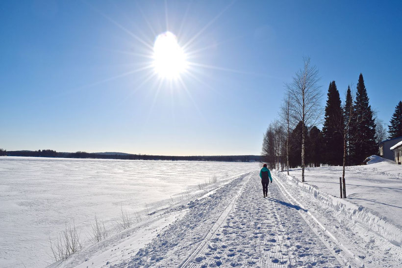 What to Do in Rovaniemi, Finland in Winter - Stroll along the Frozen Kemijoki River