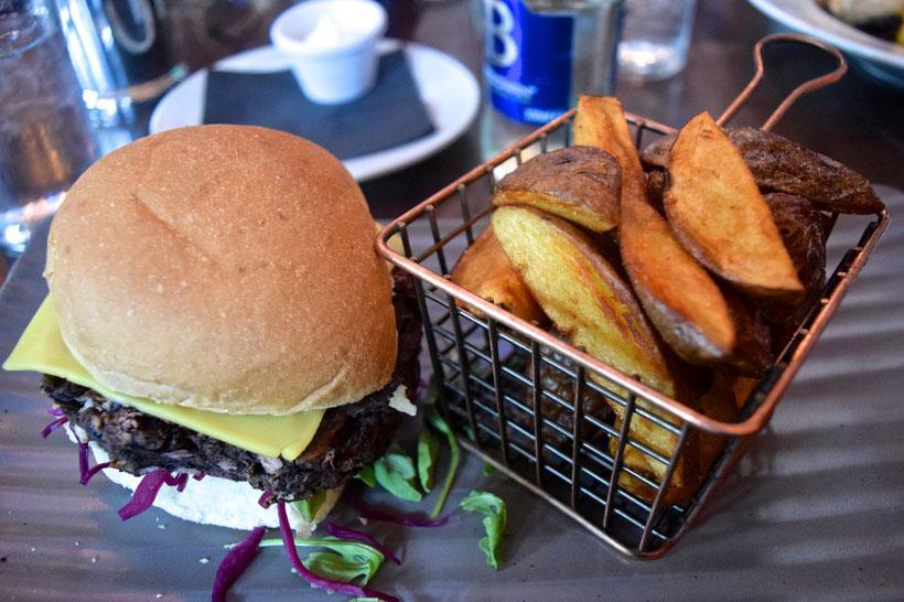 What to See around Cork, Ireland - Cork - Vegetarian Burger at the Old Town Whiskey Bar
